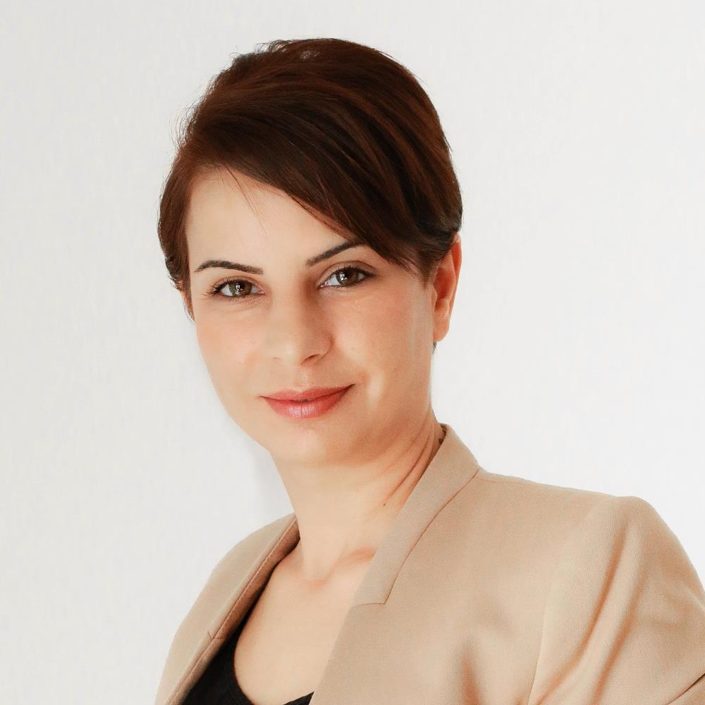 Aida Hemmasi, Rechtsanwältin in der Kanzlei Bauer & Kollegen